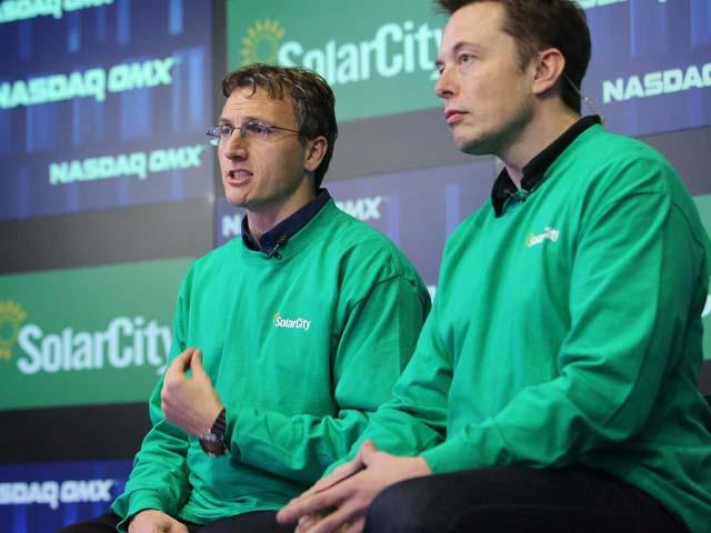 solar-war-ceo-of-upstart-solar-company-vivint-takes-a-huge-shot-at-elon-musks-solarcity
