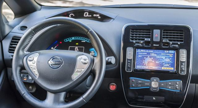 Nueva llamada a revisión del Nissan LEAF por un problema en el airbag