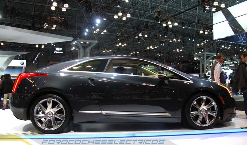 Cadillac-ELR-2