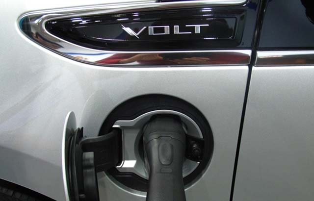 Chevrolet-Volt-2014-0