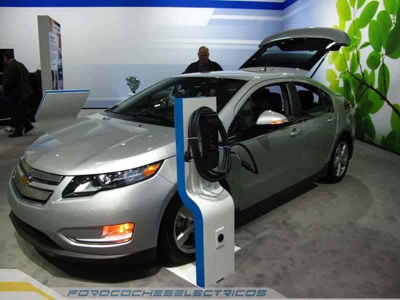 Chevrolet-Volt-2014-4