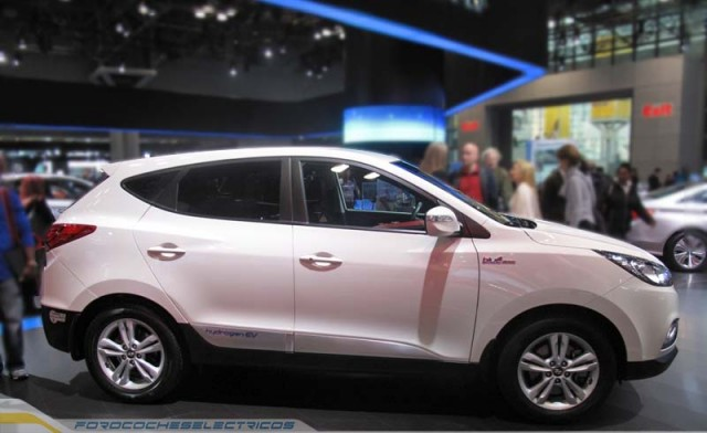 Hyundai-ix35-fuel-cell-1