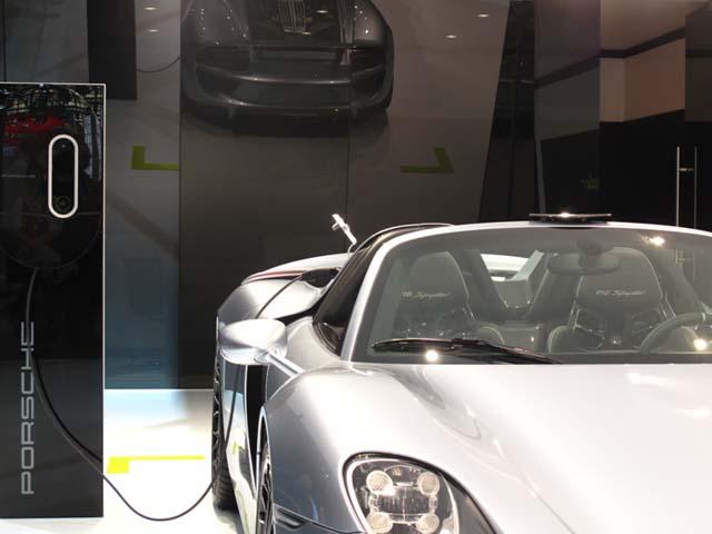 Porsche-spyder-10