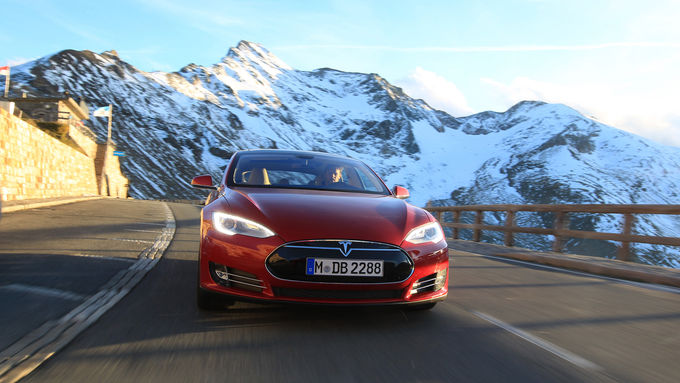 Tesla-Model-S-articleTitle-44eaf5a4-729132