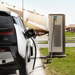 ¿Están en peligro las ayudas a la compra de coches eléctricos en España este año?