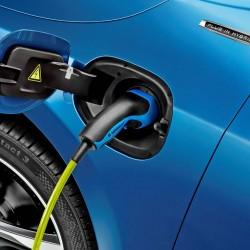 El Chevrolet Volt despunta en las ventas de Estados Unidos, el Nissan LEAF se recupera, y Tesla pierde algo de fuelle