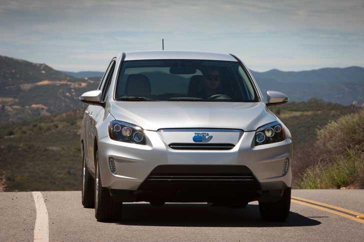 2012_Toyota_RAV4_EV_013