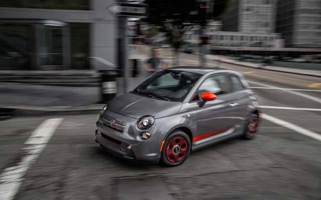 2013-fiat-500e-front-three-quarter-1