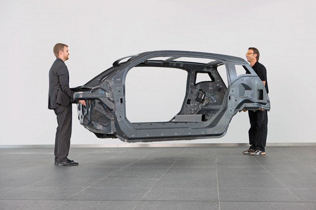 bmw-i3-might-be-cheaper-to-live-with-due-to-carbon-fiber-construction-73054_1