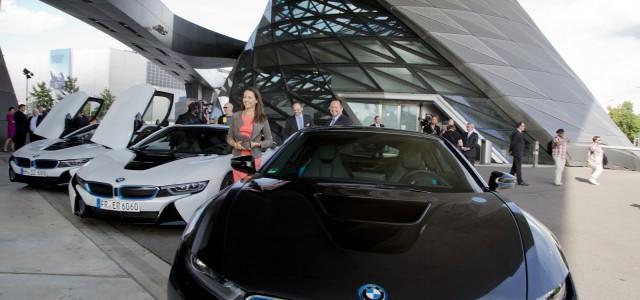 Las primeras unidades del BMW i8 son entregadas a sus propietarios