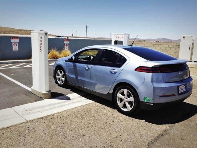 chevrolet-volt-at-supercharger