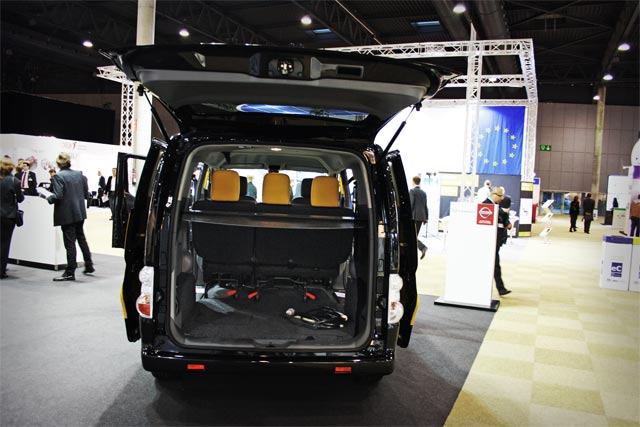 El amplio maletero de la e-NV200