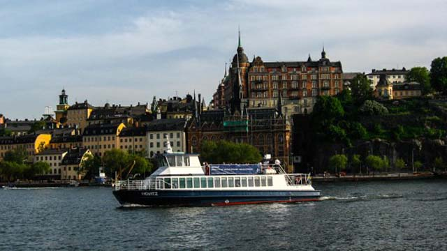 sweden-movitz-electric-ferry-supercharged-4