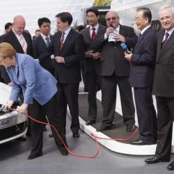 Según Angela Merkel, Alemania fallará en su objetivo de ventas de coches eléctricos, y avisa que la demanda podría explotar antes de lo previsto