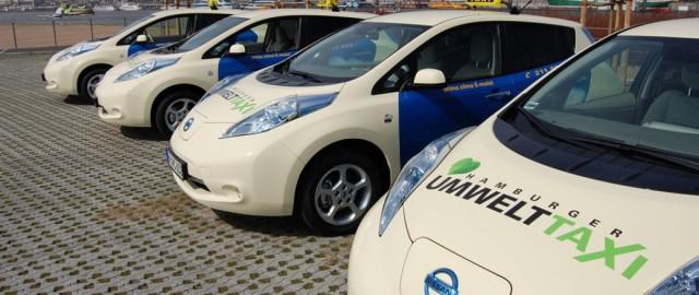 Nissan_Leaf_Taxi-1040x440