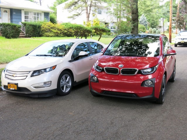 2014-bmw-i3-rex-vs-chevrolet-volt-comparison-photos-david-noland-tom-moloughney_100477654_l