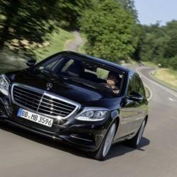 El Mercedes-Benz S550e logra sólo 19 kilómetros de autonomía eléctrica bajo el ciclo EPA