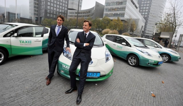 Taxi-Electric-LEAFs