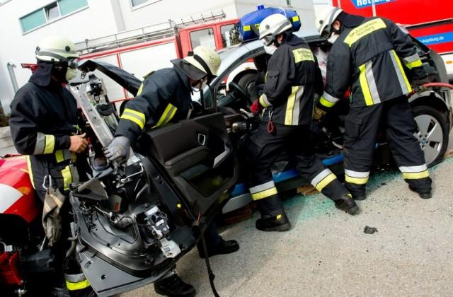 Schwierige Rettung: Feuerwehr übt für E-Autos
