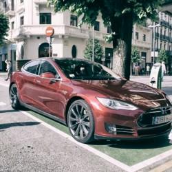 Tesla podría estar probando con baterías de grafeno para lograr 800 kilómetros de autonomía