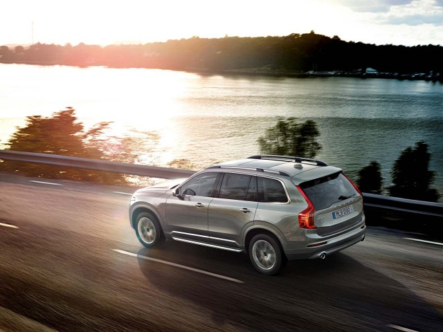 volvo-xc90-plug-in-4.jpeg
