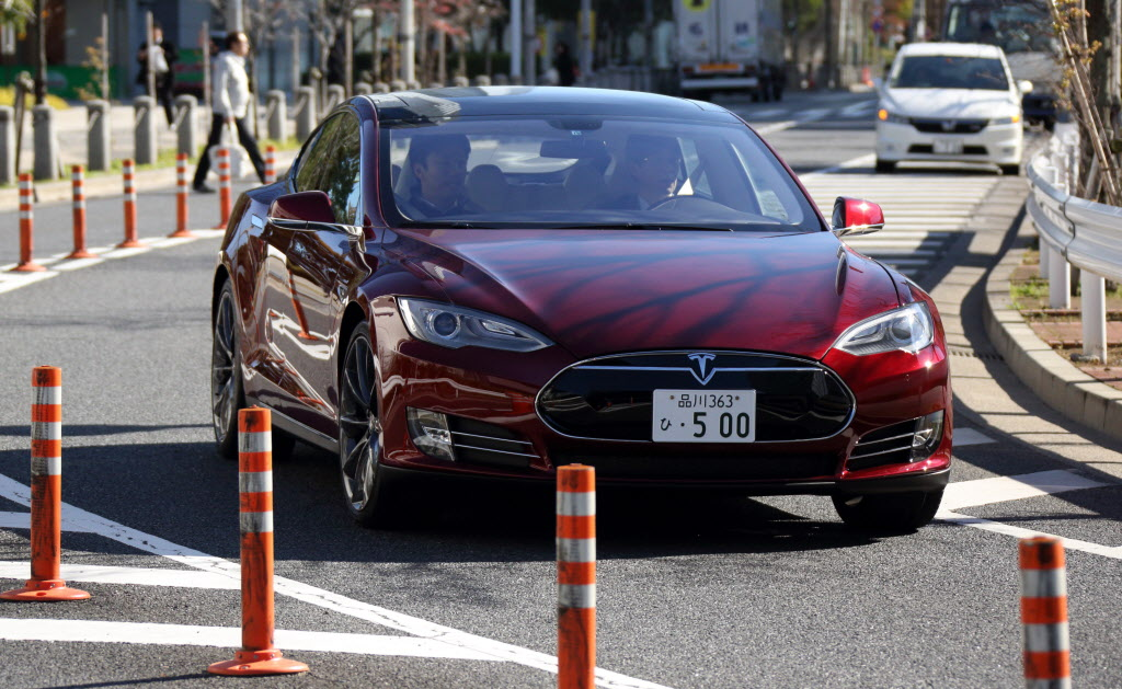 Tesla Model S Test Drive At The Panasonic Center Tokyo
