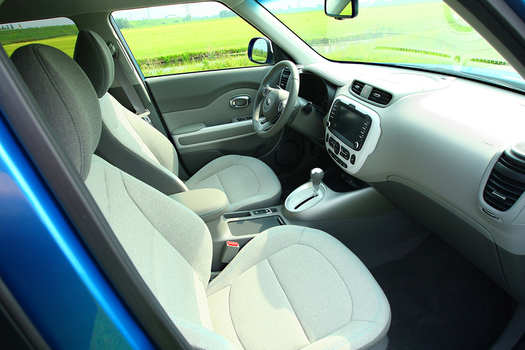 Kia-Soul-EV-maakt-carrire-54158c7276f65