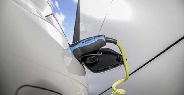 Mercedes-Benz-Plug-in-hybrid