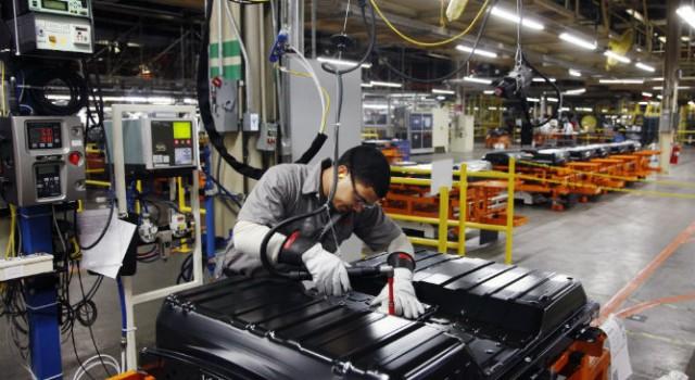 Nissan se plantea abandonar la producción de baterías, y firmar con LG