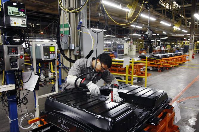 Nissan-Battery-Plant-6