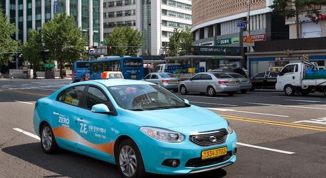 Diez Renault Samsung SM3 Z.E para Seúl como forma de promocionar la tecnología en el sector del taxi