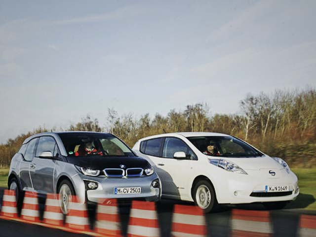 bmw-i3-vs-nissan-leaf