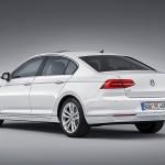 Volkswagen Passat GTE back