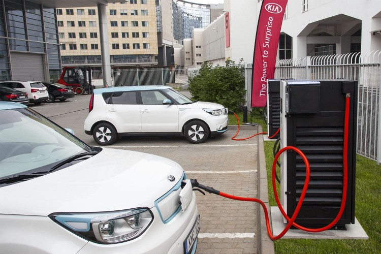 100kw-dc-fast-charger-at-kme-hq-1-750x500