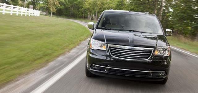 Chrysler Voyager híbrida enchufable para 2015