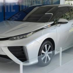 Toyota regalará el primer modelo a hidrógeno en Estados Unidos