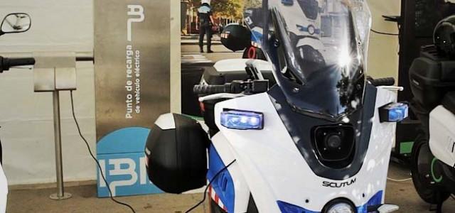 IBIL y SCUTUM presentan en EXPOELECTRIC sus soluciones de scooter y recarga eléctrica