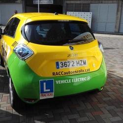 ¿Tendría sentido un carnet sólo para coches eléctricos?