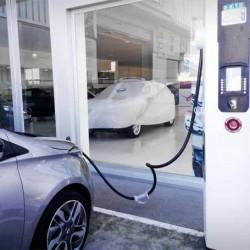 Encuesta: ¿qué nivel de importancia tiene la recarga rápida para vender coches eléctricos?