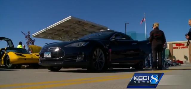 El estado de Iowa prohibe las ventas y las pruebas de Tesla. Los propietarios se organizan para saltarse esa ley