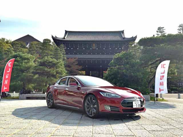 tesla-model-s-in-Japan-(1)