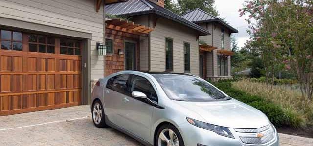 Los norteamericanos están cambiando sus coches a gasolina, por paneles solares