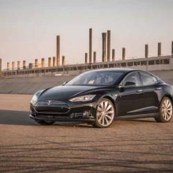 Tesla logra un récord de entregas, pero sigue con fuertes pérdidas