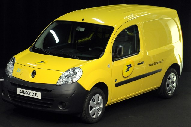 la poste firma un acuerdo con renault 5 mil kangoo ze. Black Bedroom Furniture Sets. Home Design Ideas