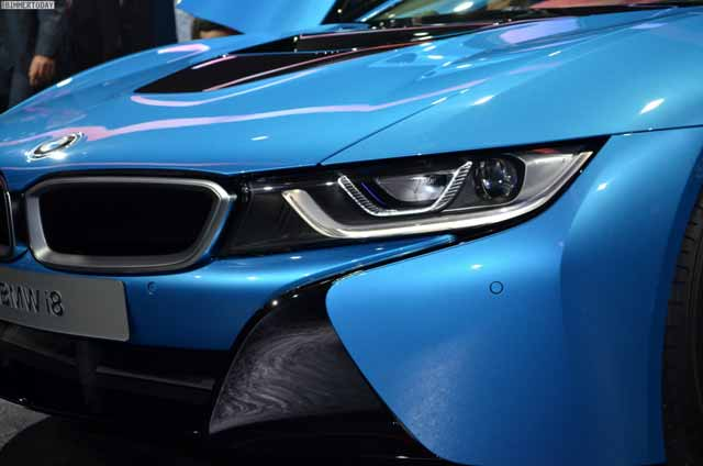BMW-i8-Hybrid-eDrive-Weltpremiere-Protonic-Blue-IAA-2013-LIVE-0341-1024x678