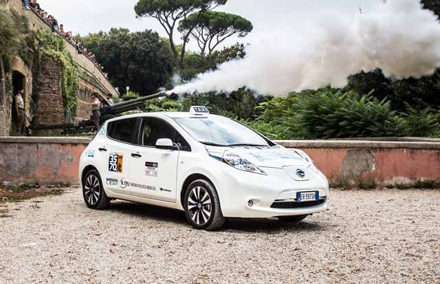 Nissan-Leaf-taxi-Rome-2