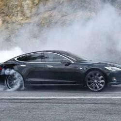 Prueba de aceleración: Tesla Model S P90D Ludicrous contra Tesla Model S P85D Insane