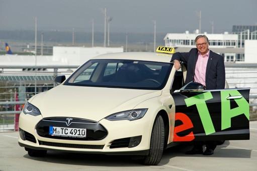 tesla-model-s-taxi-2