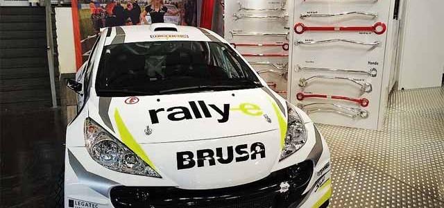 Se presenta un Peugeot 207 S2000 eléctrico diseñado para los rallyes