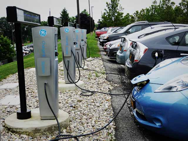 charging-cars-ft